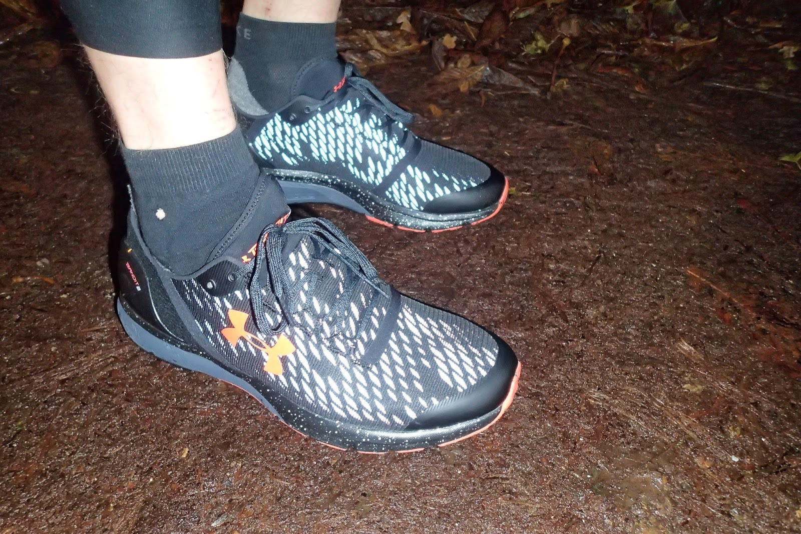 new concept 5c6de 4d614 Echoes From A Runner: Review Under Armour Charged Bandit 2 Night
