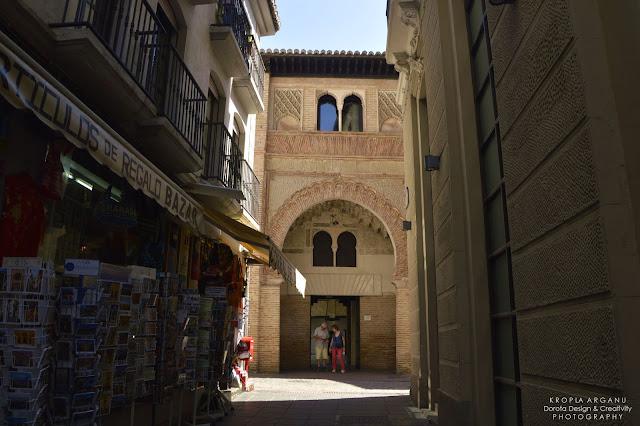 Jak zarezerwować bilet na Alhambrę. Corral del Carbón