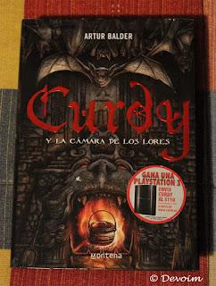 Ejemplar de Curdy y la cámara de los lores para la iniciativa Libros a contrarreembolso