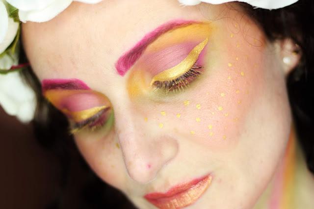 maquillage-rose-vert-jaune