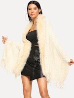 https://fr.shein.com/Faux-Fur-Trim-Poncho-p-633267-cat-1734.html