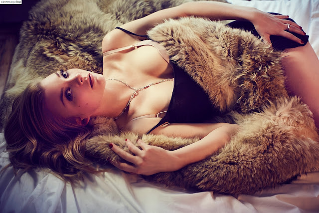5 - Natalie Dormer Hot Bikini Photoshoot(HD)-60 Most Sexiest Cleavage Pictures of Game Of Thrones fame Seduces Us Atmost