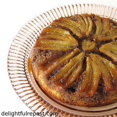 Banana Upside-Down Cake / www.delightfulrepast.com