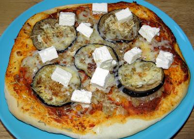 pizza z bakłażanem i fetą