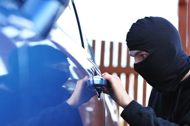 31χρονος έκλεψε αυτοκίνητο και εκκλησία στο Ναύπλιο