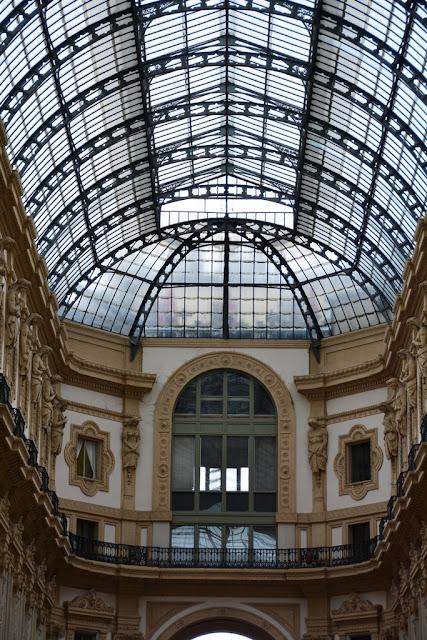 Galleria Vittorio Emanuelle II Milan