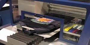 Perbedaan T-Shirt Printing dengan Teknik DTG dan Sablon Manual