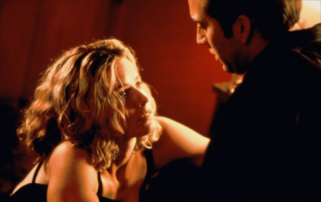 Elisabeth Shue and Nicolas Cage in Leaving Las Vegas