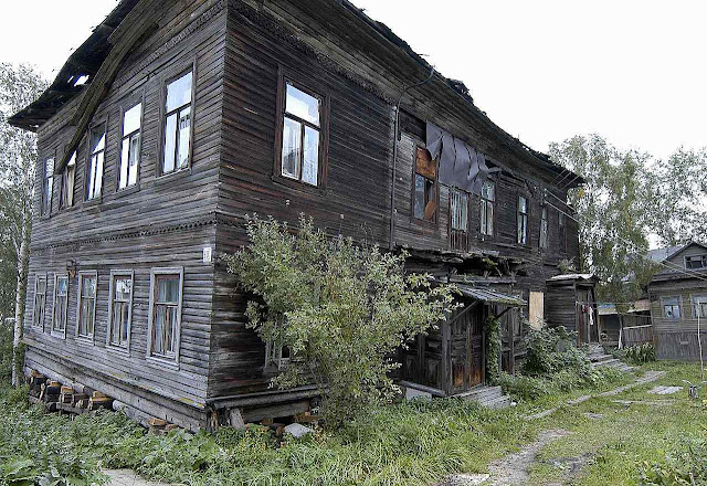 Casas históricas de Arkhangelsk demolidas para Putin não ver.