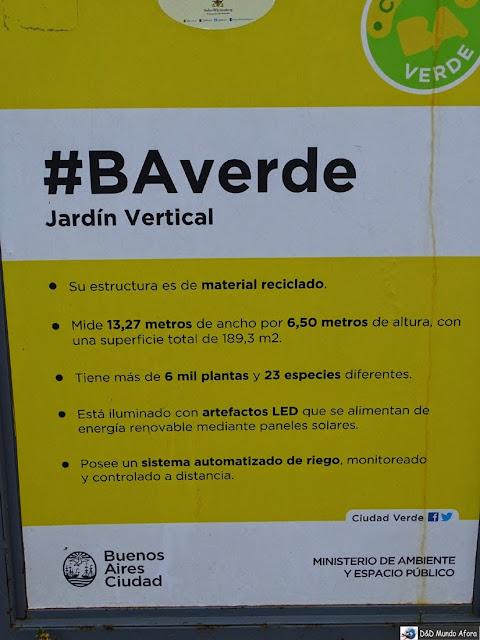 Obelisco e Jardim Vertical em Buenos Aires