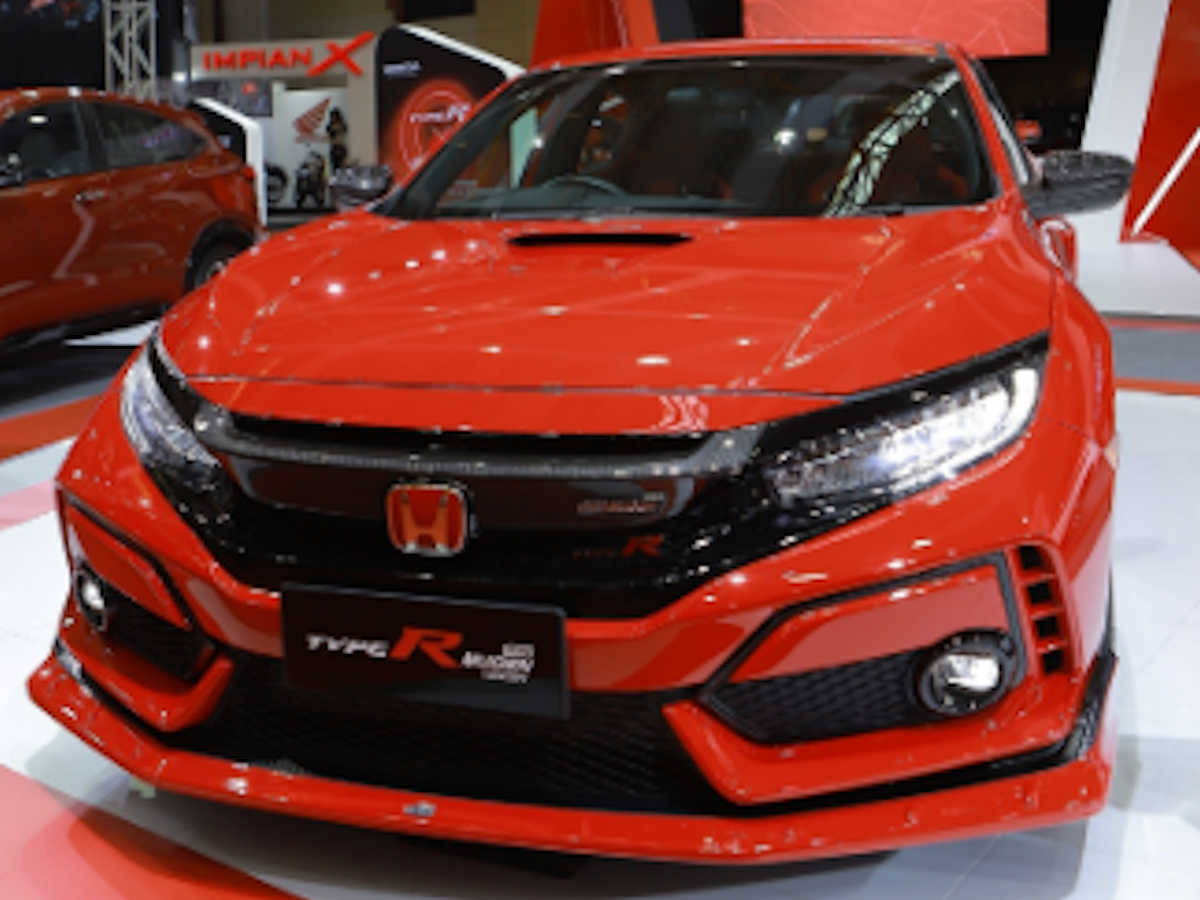 this is a slightly better looking honda civic type r mugen
