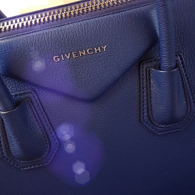 Givenchy, Antigona