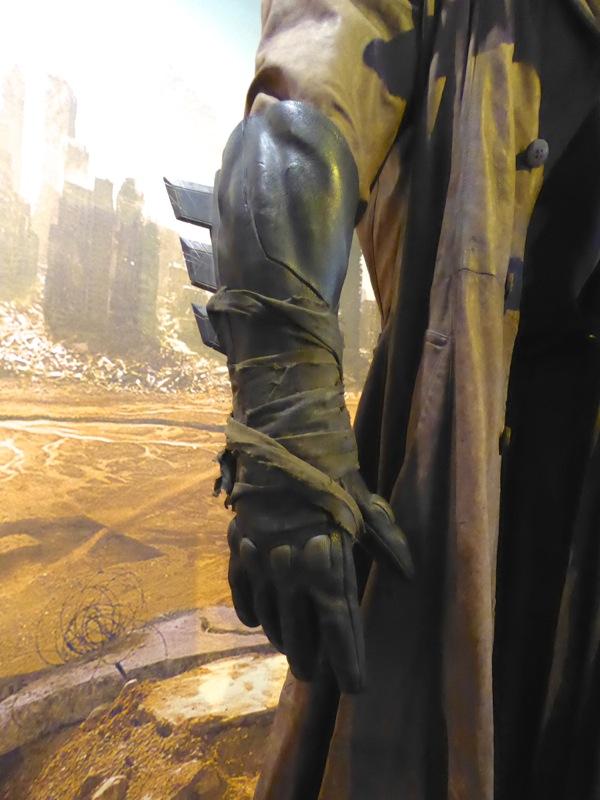 Future Batsuit glove detail Batman v Superman