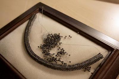 Unfertige Halskette wurde beim Aufräumen gefunden