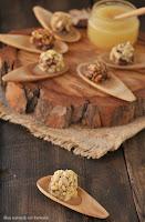 Bombones de morcilla con puré de manzana