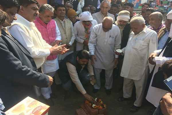 mantri-krishan-pal-gurjar-inauguration-cemented-road-ward-1-faridabad