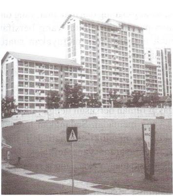 Rumah susun di Singapura, memiliki karakter individual. (penulis, 2001)
