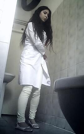 женский туалет в поликлинике смотреть онлайн американской церкви