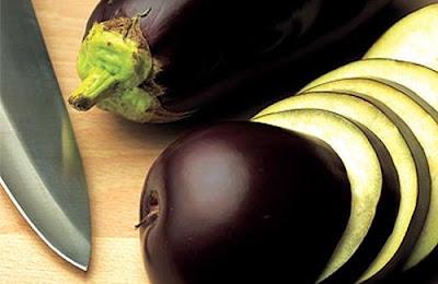 Débarrassez-vous de la graisse abdominale grâce à l'eau d'aubergine