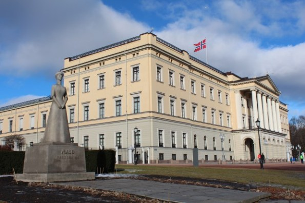 The Royal Palace in Oslo and the statue of Queen Maud