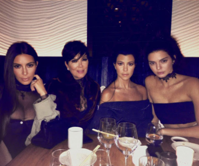 Kim-Kardashian-last-family-picture-that-taken-in-Paris