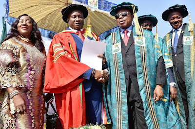 Air Peace Boss Seeks United Nigeria, Gets Anambra Varsity's Doctorate (photo)