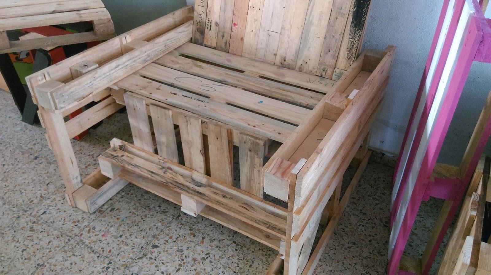 Colegio verdemar pl stica y visual mobiliario con palets - Mobiliario con palets ...
