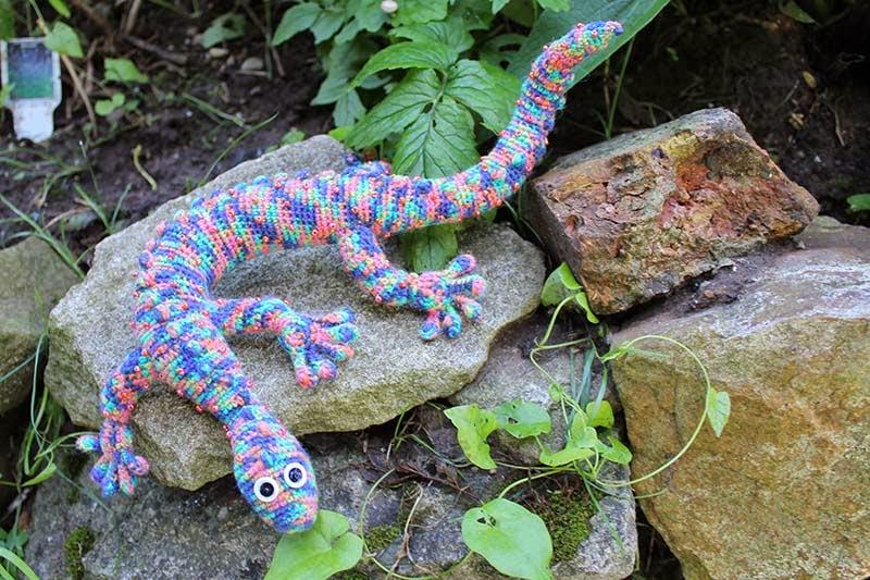 Blumenbunt Kleiner Sockenwoll Gecko