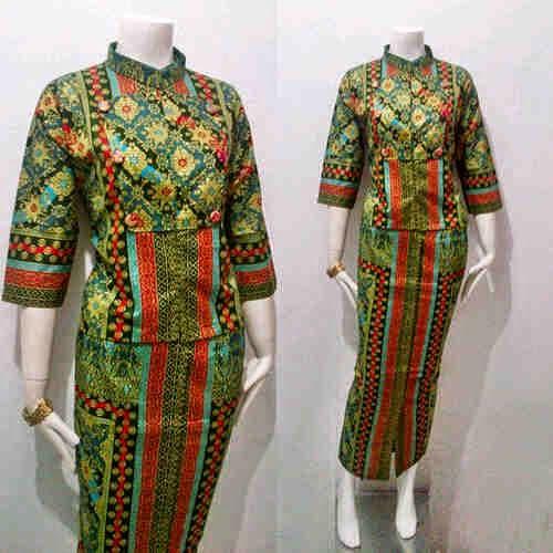 Model Baju Batik Zaskia Mecca: Model Baju Batik Wanita Queen Prodo Series