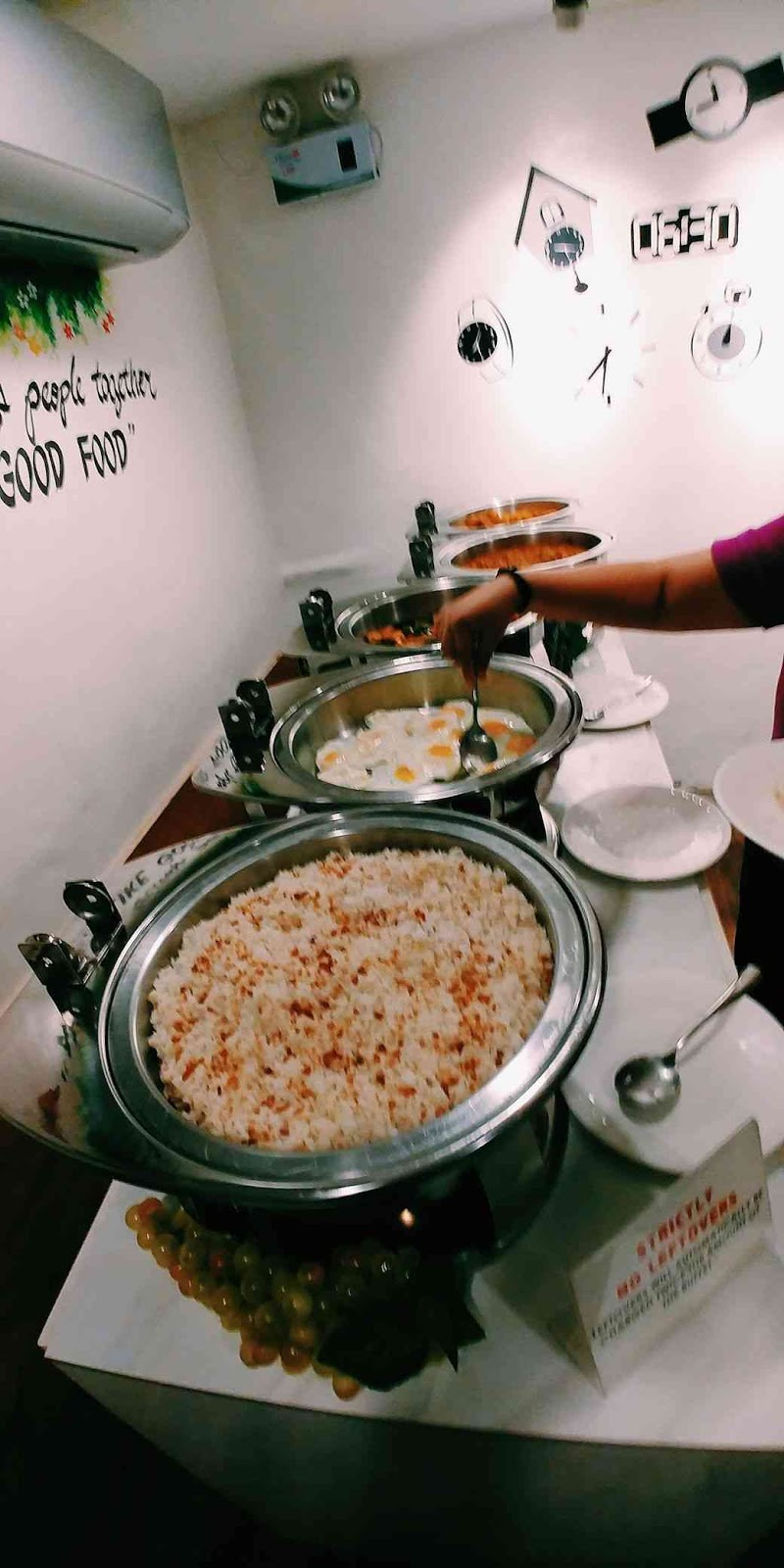 30 Buffet rice and eggs