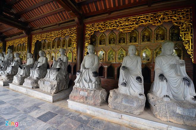 Xoa đen La Hán, viết bậy lên tranh nhà sư chùa Bái Đính