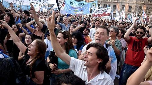 Marchas en Argentina contra políticas neoliberales de Macri