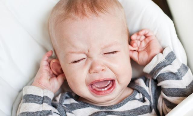 Cara Mengobati Infeksi Telinga Bayi dan Anak-anak