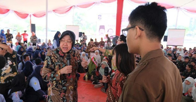 Risma Peringatkan Pelajar di Surabaya Tak Terjajah Gadget dan Game