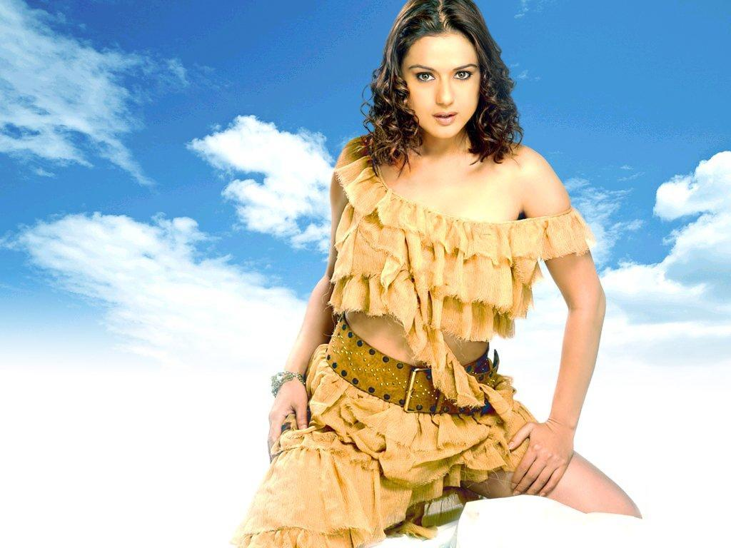 Beautiful Girl Eyes Wallpaper Preity Zinta Wallpapers Tontenk