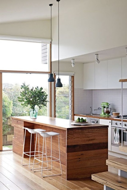 Kitchen With Bar 8