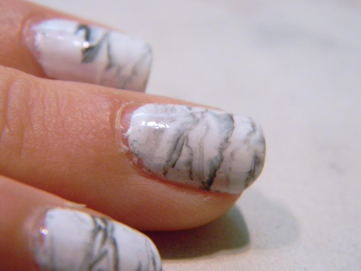 Nail art marbre noir et blanc