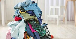 Γιατί δεν πρέπει να αφήνετε τα άπλυτα ρούχα πεταμένα στο δωμάτιο