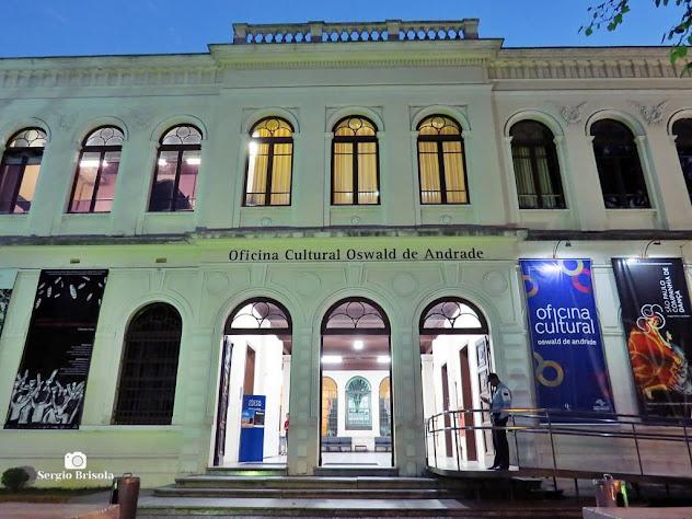 Vista da entrada e parte da fachada da Oficina Cultural Oswald de Andrade - Bom Retiro - São Paulo