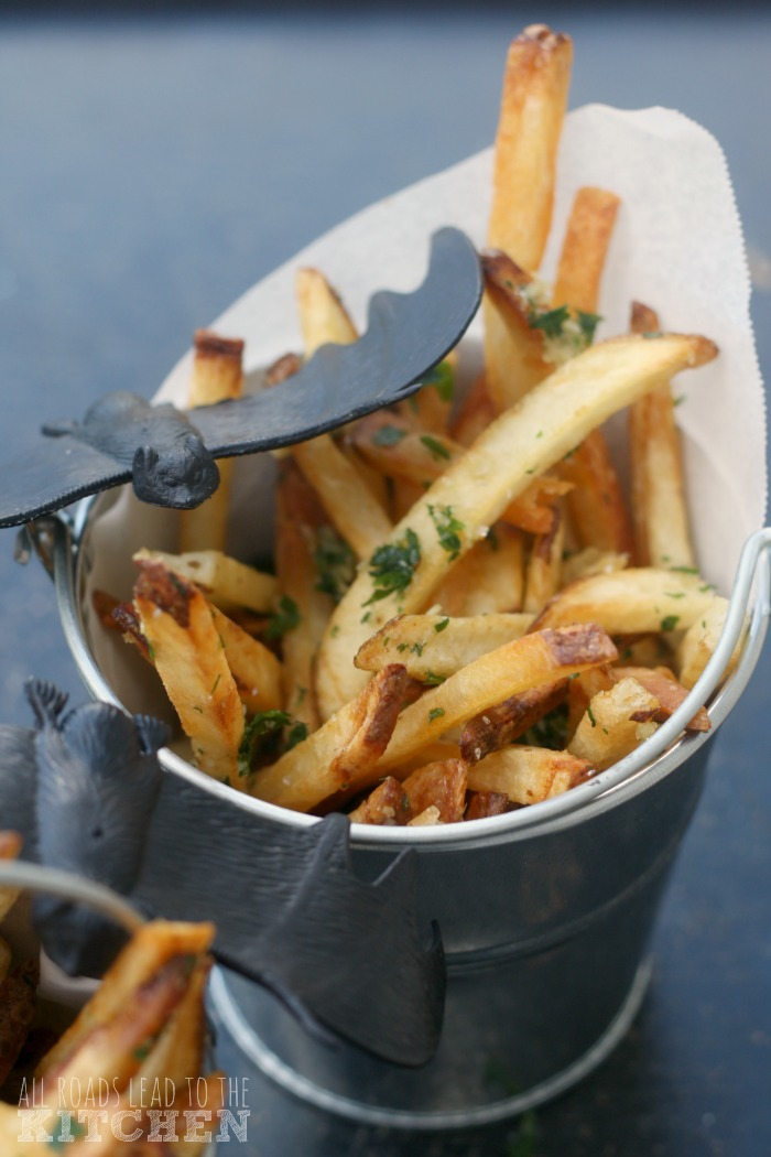 Bucket of Garlic (Fries) | Hotel Transylvania 2 #FoodnFlix