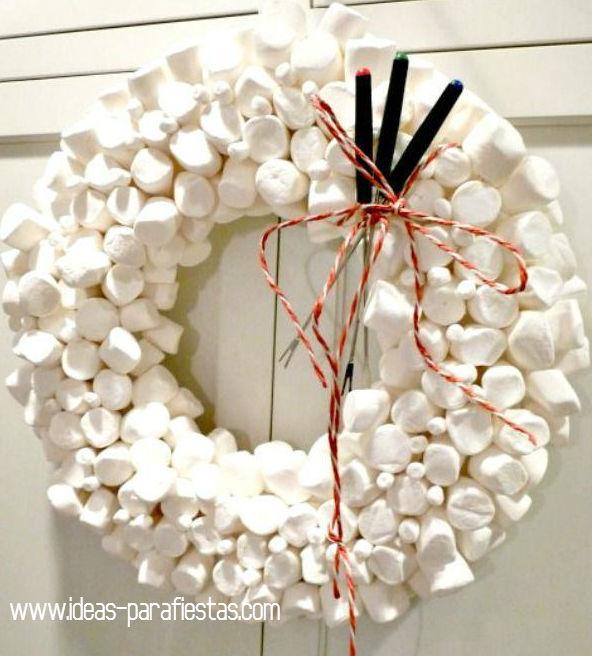 Rosca de Navidad hecha con malvaviscos