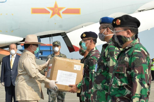 Prabowo Subianto Terima Bantuan Alkes dari Republik Rakyat Tiongkok