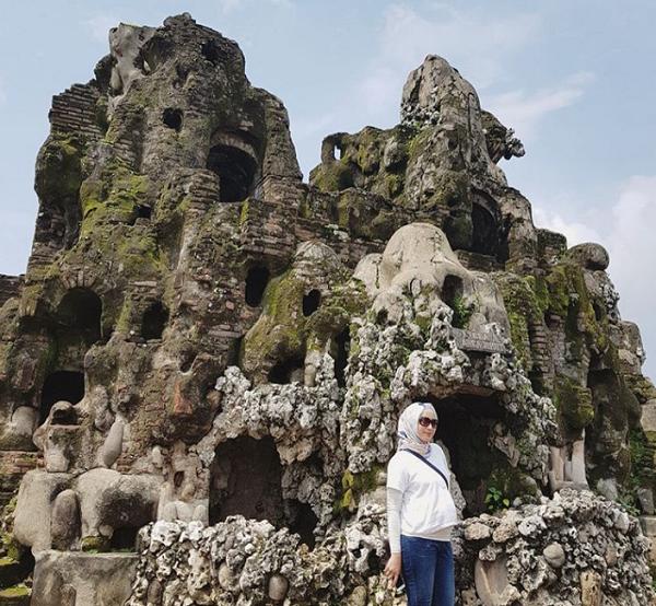 Tempat Wisata di Cirebon yang Hits Goa Sunyaragi