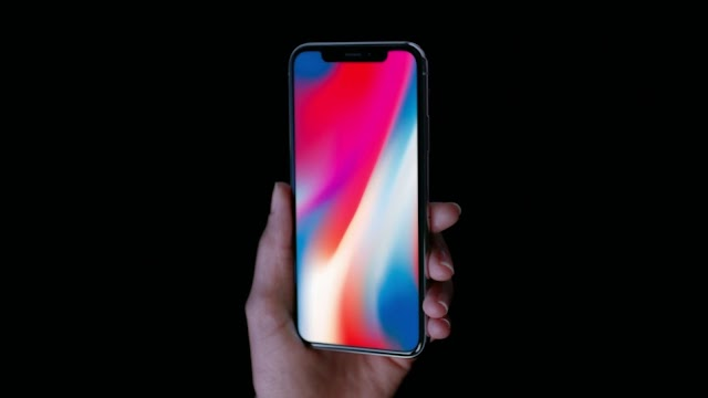 Rumors: Samsung Looking New Customers For Its OLED Screen, Because Apple Cuts iPhone X Production