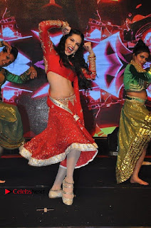 Bollywood Actress Model Sunny Leone Dance Performance in Red Half Saree at Rogue Audio Launch 13 March 2017  0142.jpg