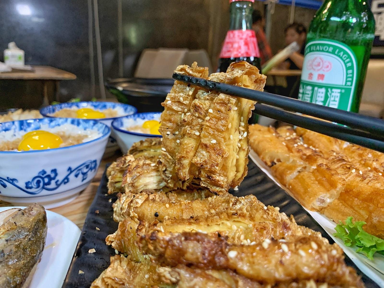 台南美食【府城騷烤家】酥烤豆皮