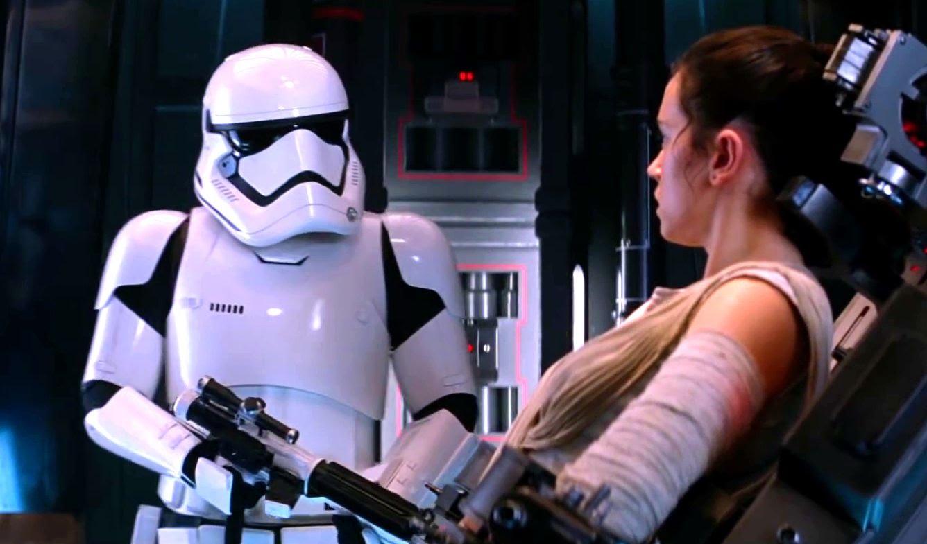 Daniel Craig Secretly Cameos In Star Wars: The Force Awakens