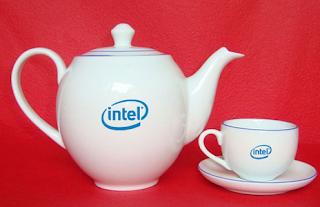"""""""In logo bộ ấm trà"""", """"Bộ ấm trà Bát Tràng"""", """"Ấm chén Bát Tràng"""""""