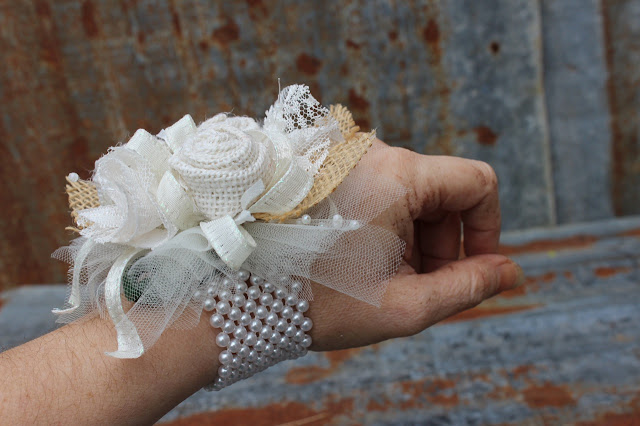 mother of bride / groom corsage