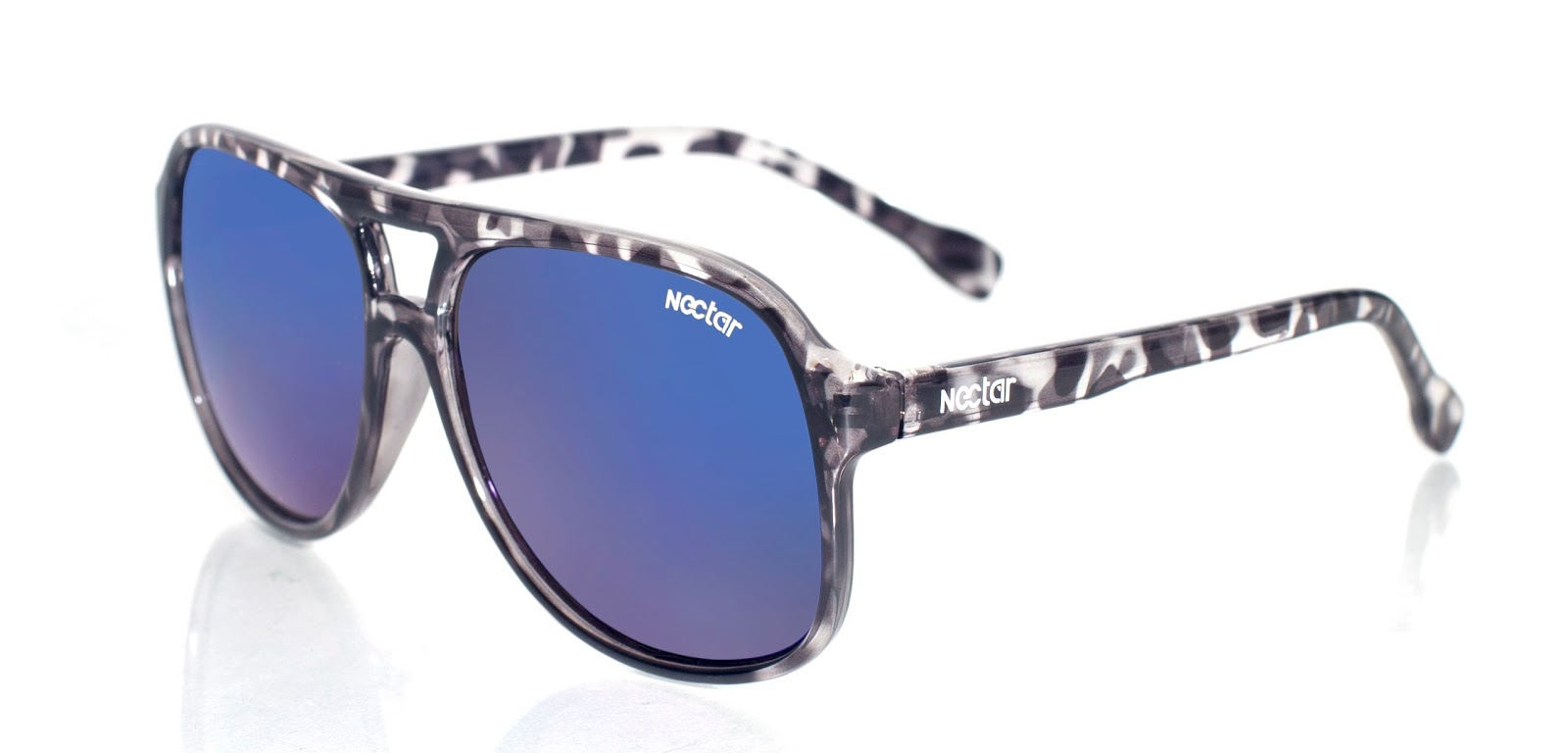 2612de54397 ... flexible thermoplastic memory frame specifically designed for maximum  comfort. These chic Vegas frame sunglasses boasts a black tortoise frame  made from ...